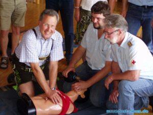 Erste Hilfe geht jeden an - Ausbildung bei der BRK Bereitschaft Ainring