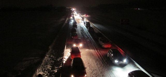 Einsatz: Schneechaos auf der Bundesautobahn