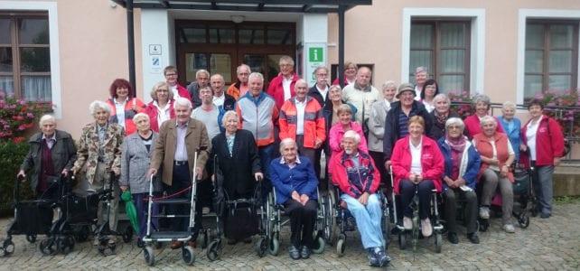 Traditioneller Ausflug: BRK-Bereitschaften fahren mit Behinderten und Senioren nach Anger
