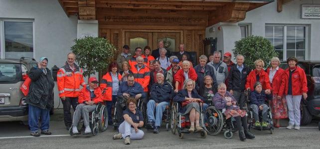 BRK-Bereitschaften unternehmen mit 33 älteren und zum Teil gehbehinderten Menschen Tagesausflug nach Wals